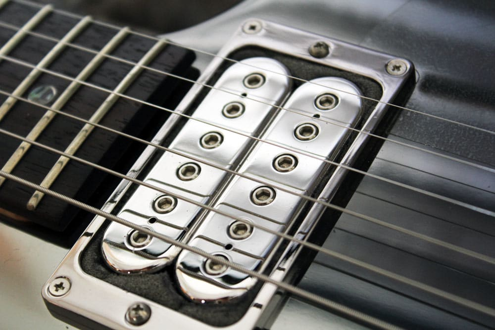 cutting-foam-around-pickups-10.jpg