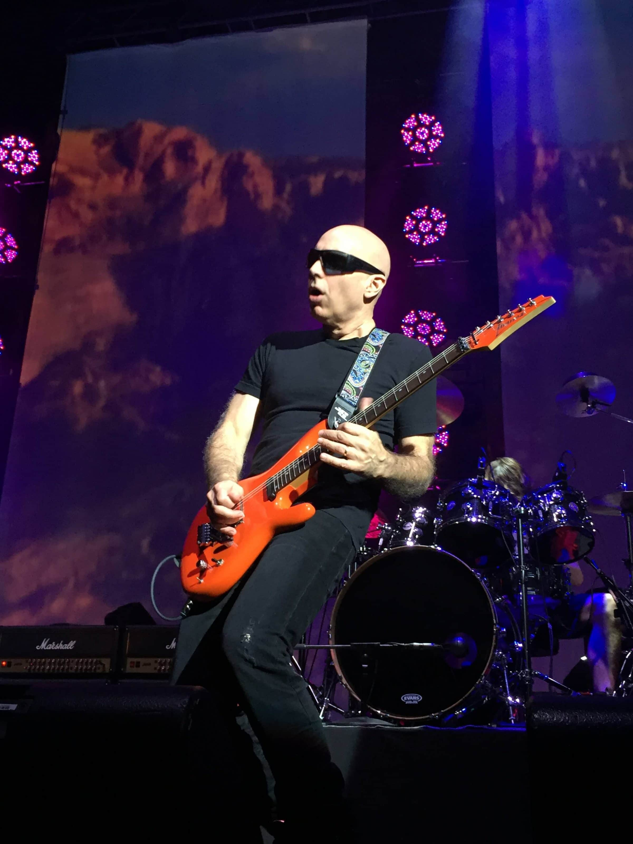 the fan experience joe satriani live js2410